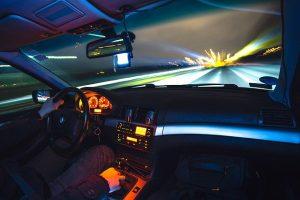 driving-933281_640-300x200